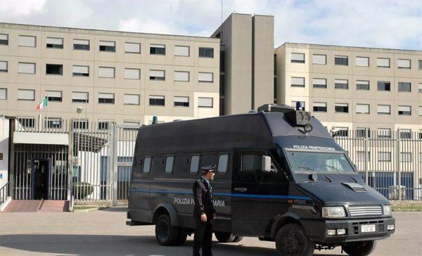 Polizia penitenziaria carcere secondigliano