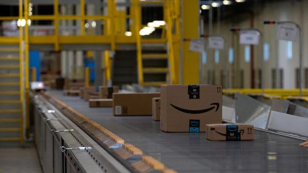 Amazon apre un deposito di smistamento nel Napoletano