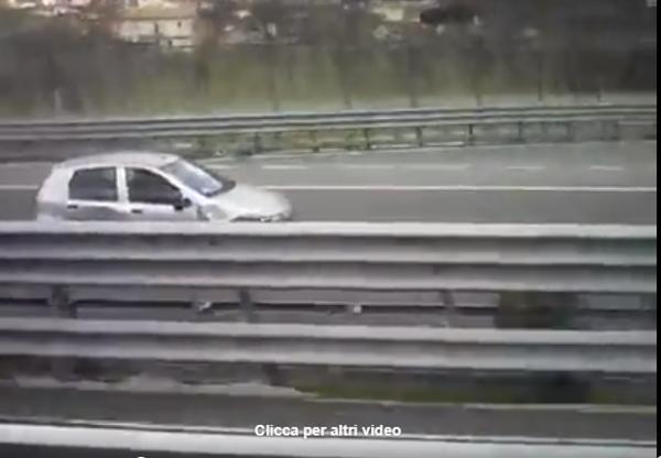 Auto contromano