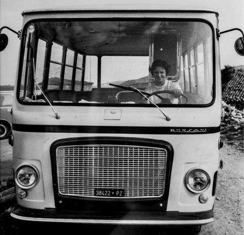 La prima donna al volante di un bus