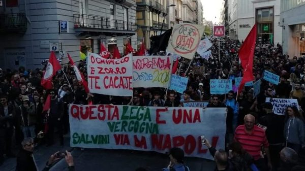 A Firenze in mille protestano contro Salvini. In Europa scendono in piazza