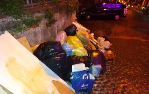 spazzatura 4 quartieri spagnoli