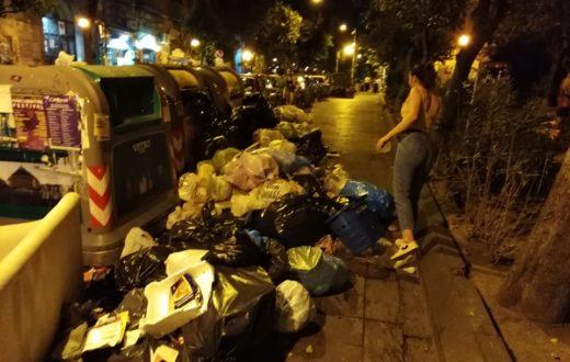 piazza bellini spazzatura