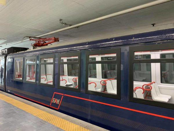 treno revampizzato circumvesuviana