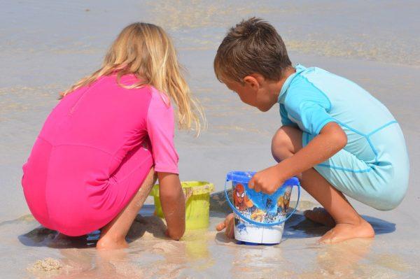 bambini al mare ercolano