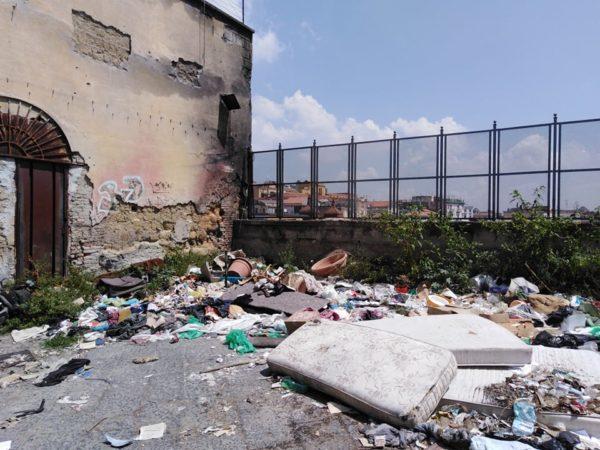 discarica quartieri 4
