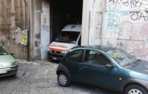 ambulanza napoli aggressione