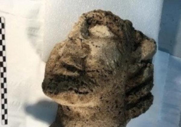 testa statua paestum