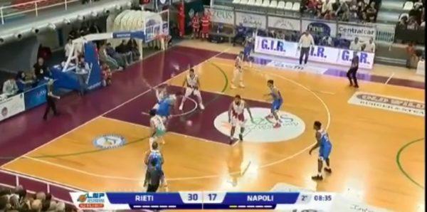 Napoli Basket cori razzisti