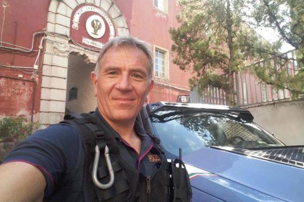 poliziotto moto pozzuoli