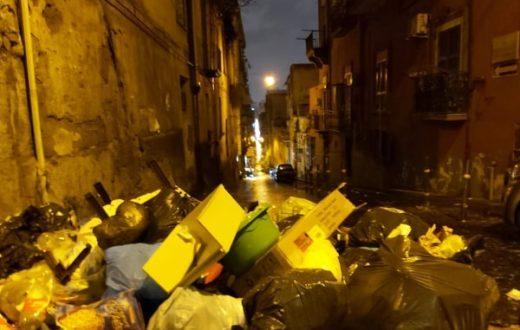 Quartieri Spagnoli spazzatura