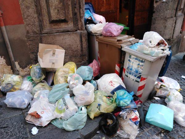 spazzatura Quartiere Spagnoli 2