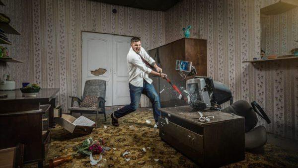 rage room stanza della rabbia napoli