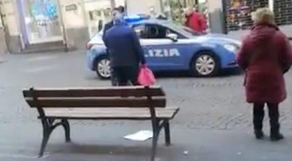 poliziotto anziano