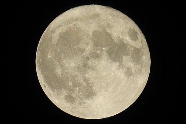 superluna 7 aprile 2020