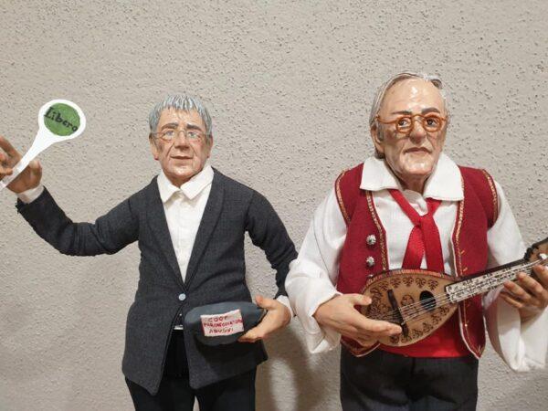 Feltri e Giordano sul presepe: uno col mandolino, l'altro parcheggiatore