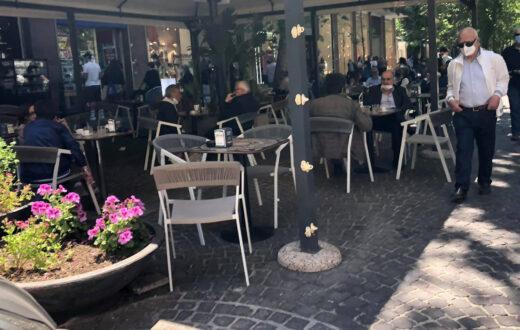 Decreto locali, tavolini