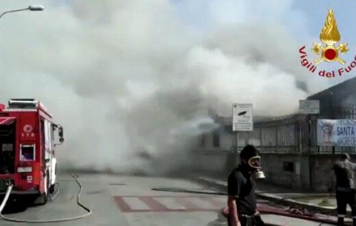 Incendio a Melito