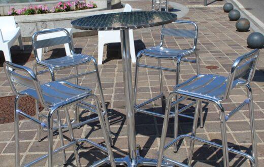 tavolini strada