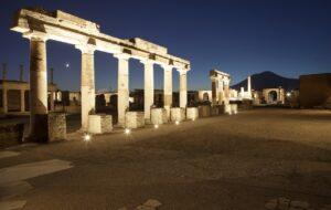 Pompei Foro illuminato