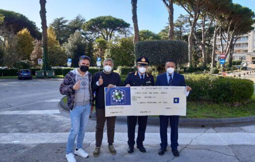 Polizia Municipale di Napoli assegno al Cotugno