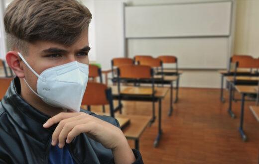 coronavirus casi scuola napoli
