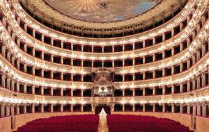 riapre Teatro San Carlo