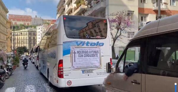 protesta bus turistici napoli