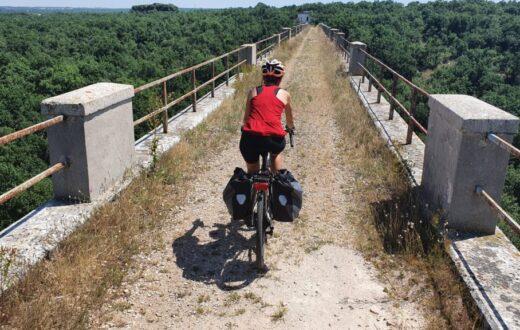 ciclovia dell'acquedotto pugliese