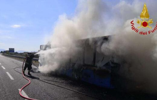 incendio nola villa literno 2