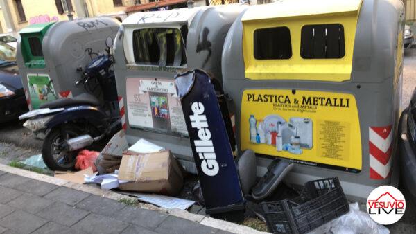 tasse napoli spazzatura